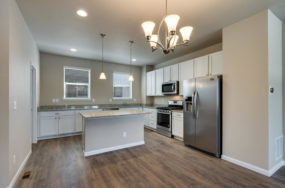 4120 E Warren Ave Unit 2-large-008-8-KitchenBreakfast Bar-1500x994-72dpi.jpg