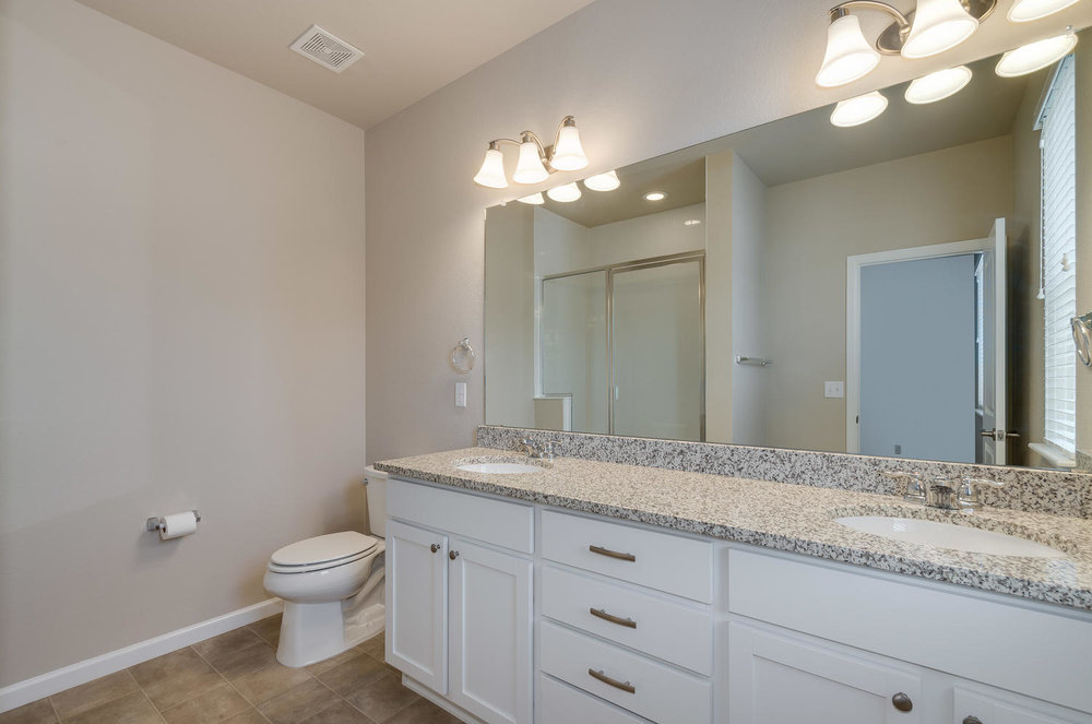 4120 E Warren Ave Unit 2-large-022-17-Bathroom-1500x994-72dpi.jpg