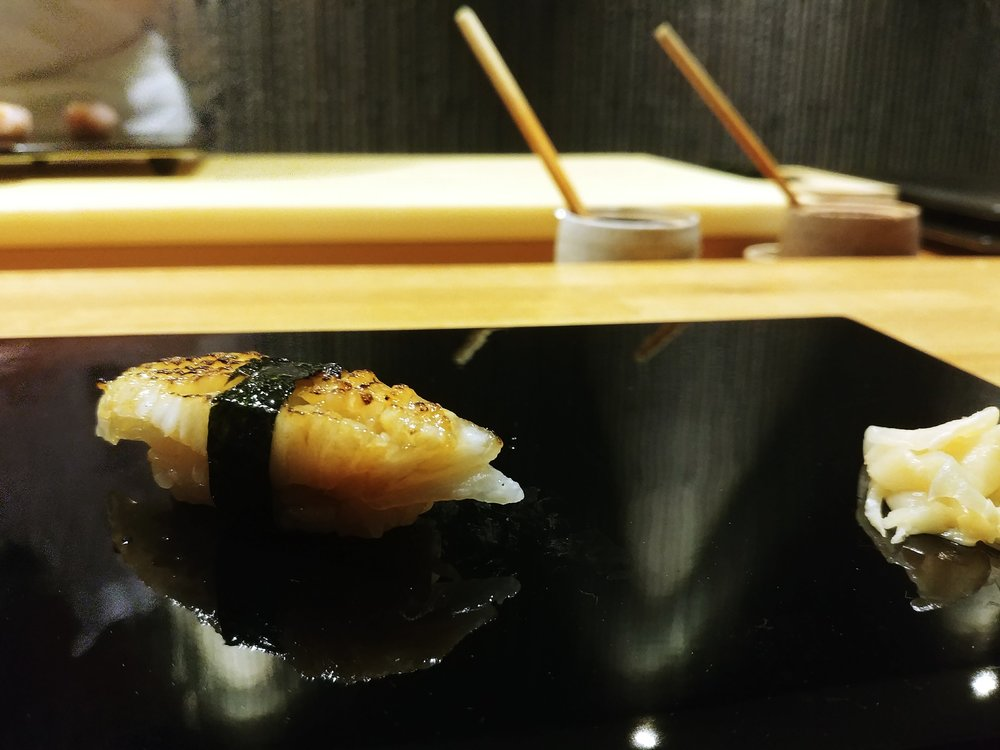 Cuttlefish (slightly blow torched) - Another one of my favourite piece. The sweetness of the soy sauce and seaweed compliments the slight charred-ness of the seafood with the tenderising touch of the texture, producing a dance in my palate #mytopfavourites