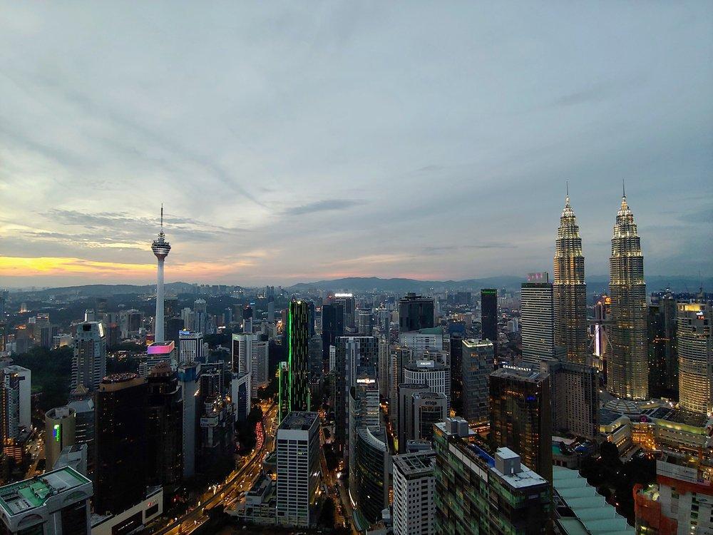 banyan-tree-rooftop-bar-city-view