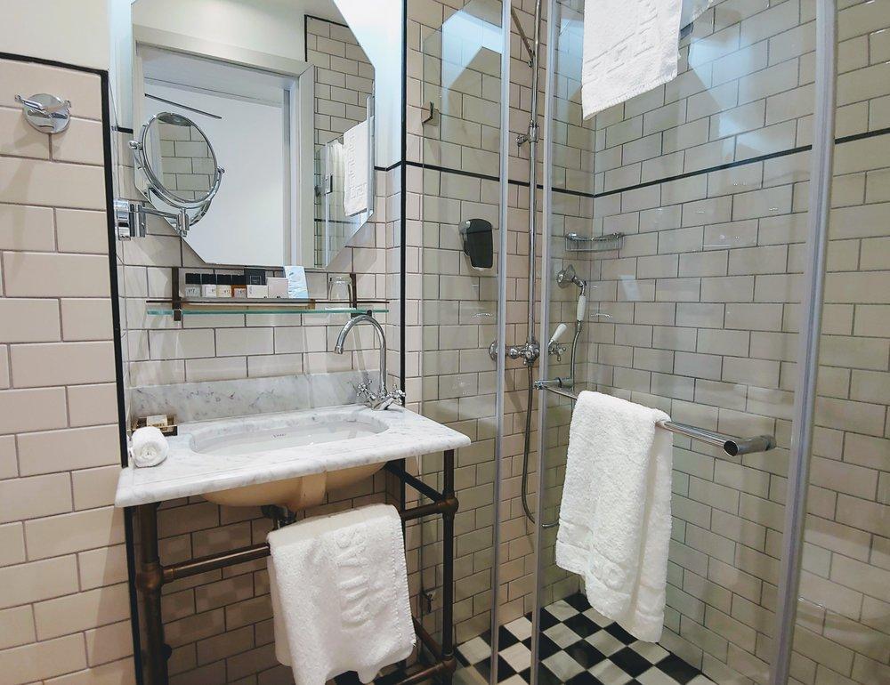market-house-tel-aviv-bathroom