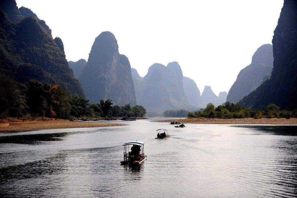 li-river-bamboo-boat-trip.jpg.1920x0.jpg