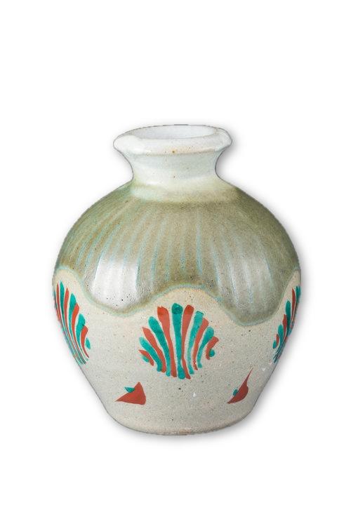celadon-vase-hamada-tomoo.jpeg