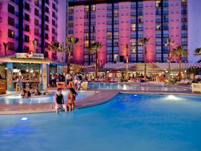 Hooters-Hotel-Las-Vegas-Pool.jpg