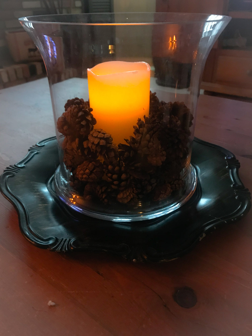 pinecone candle.jpg