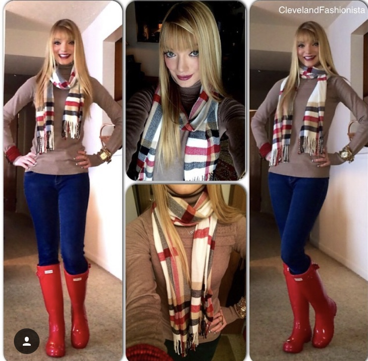 Another older photo, but Hunters look great with Burberry scarves (mine isn't but is a dupe!) for another classic, chic, yet functional look.