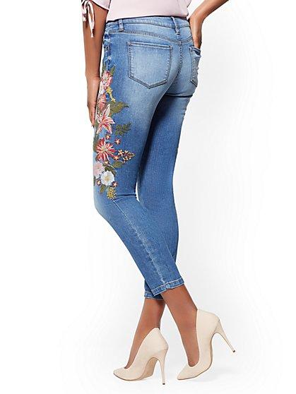 Soho-Jeans-Floral-Embroidered-Ankle-Vibrant-Blue-Wash_09056880_337_av2.jpg