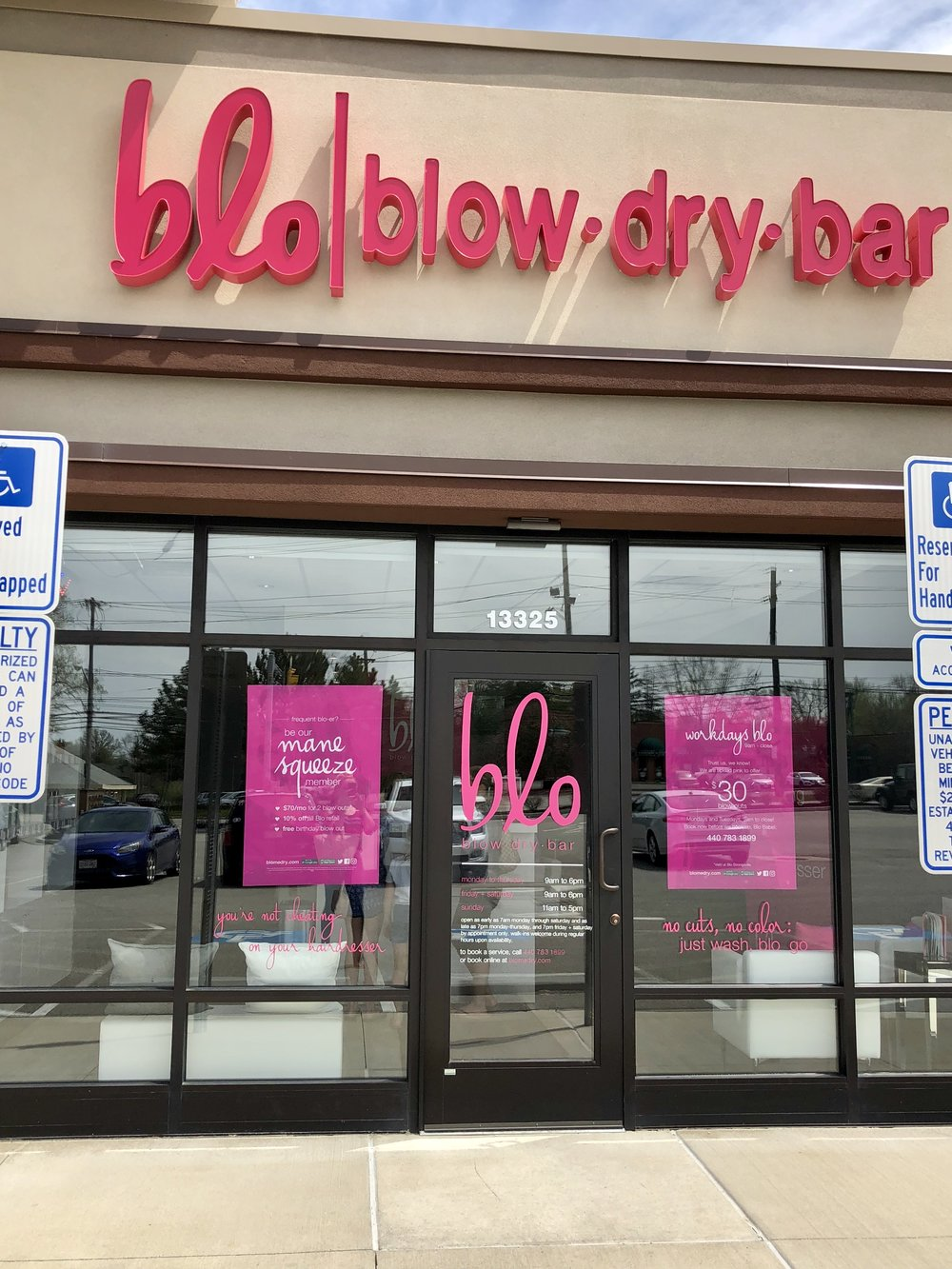 The storefront of Blo Blow Dry Bar
