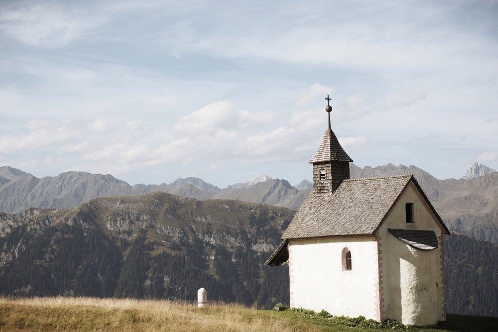 chapel-2738911.jpg