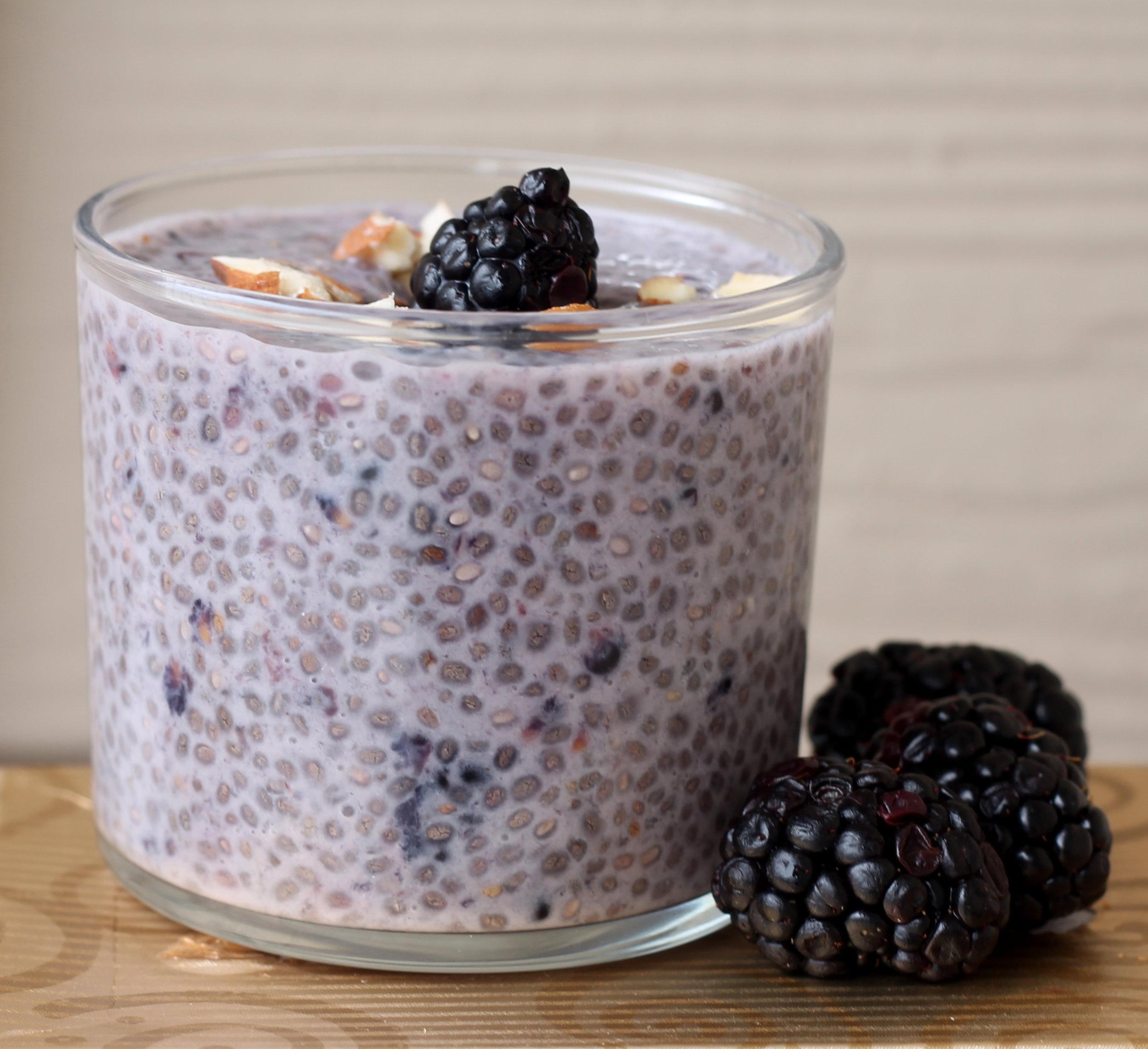 blackberry almond chia pudding2