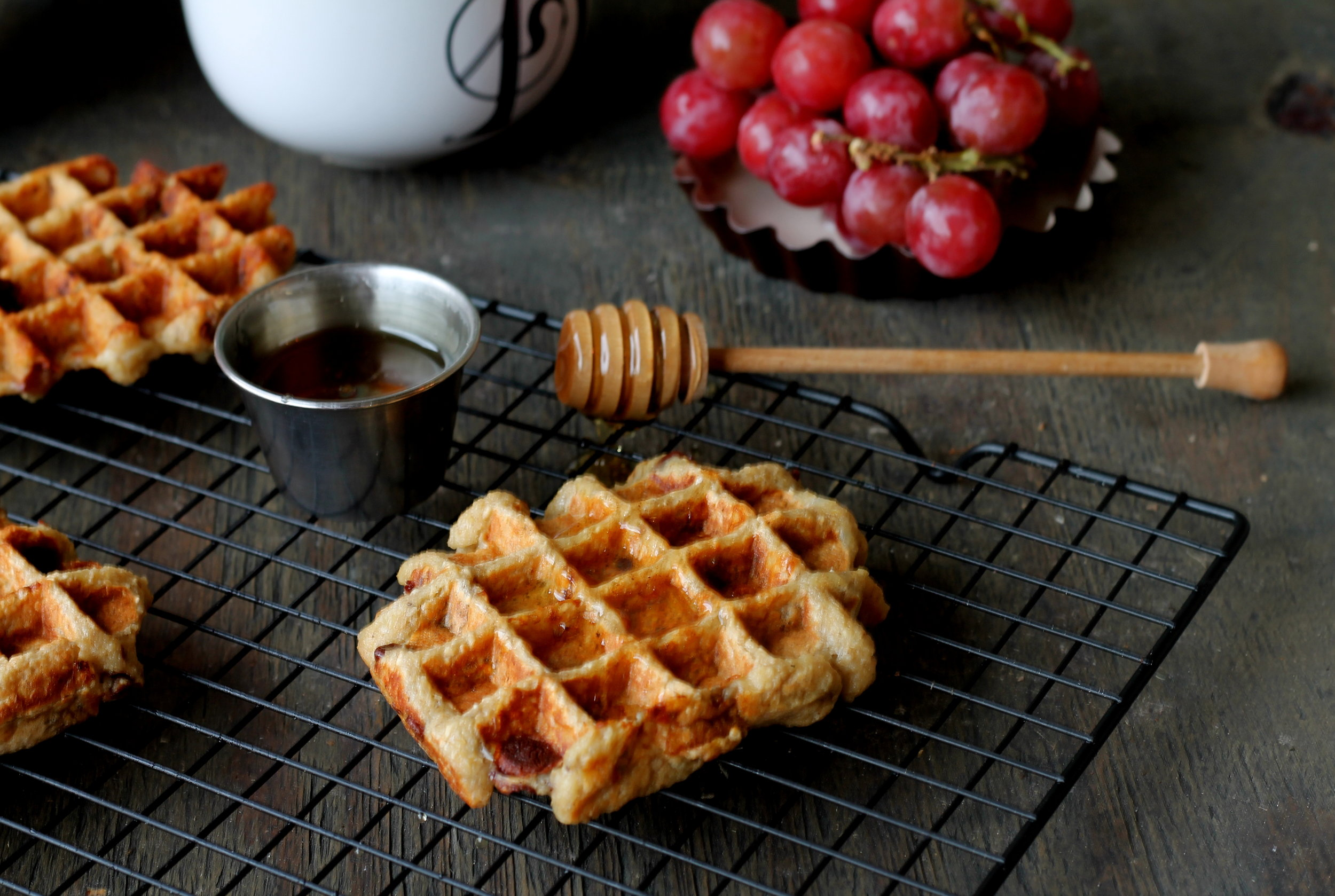chocolate chip banana oat waffles1