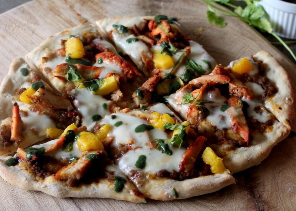 Chickentandoorimangopizza