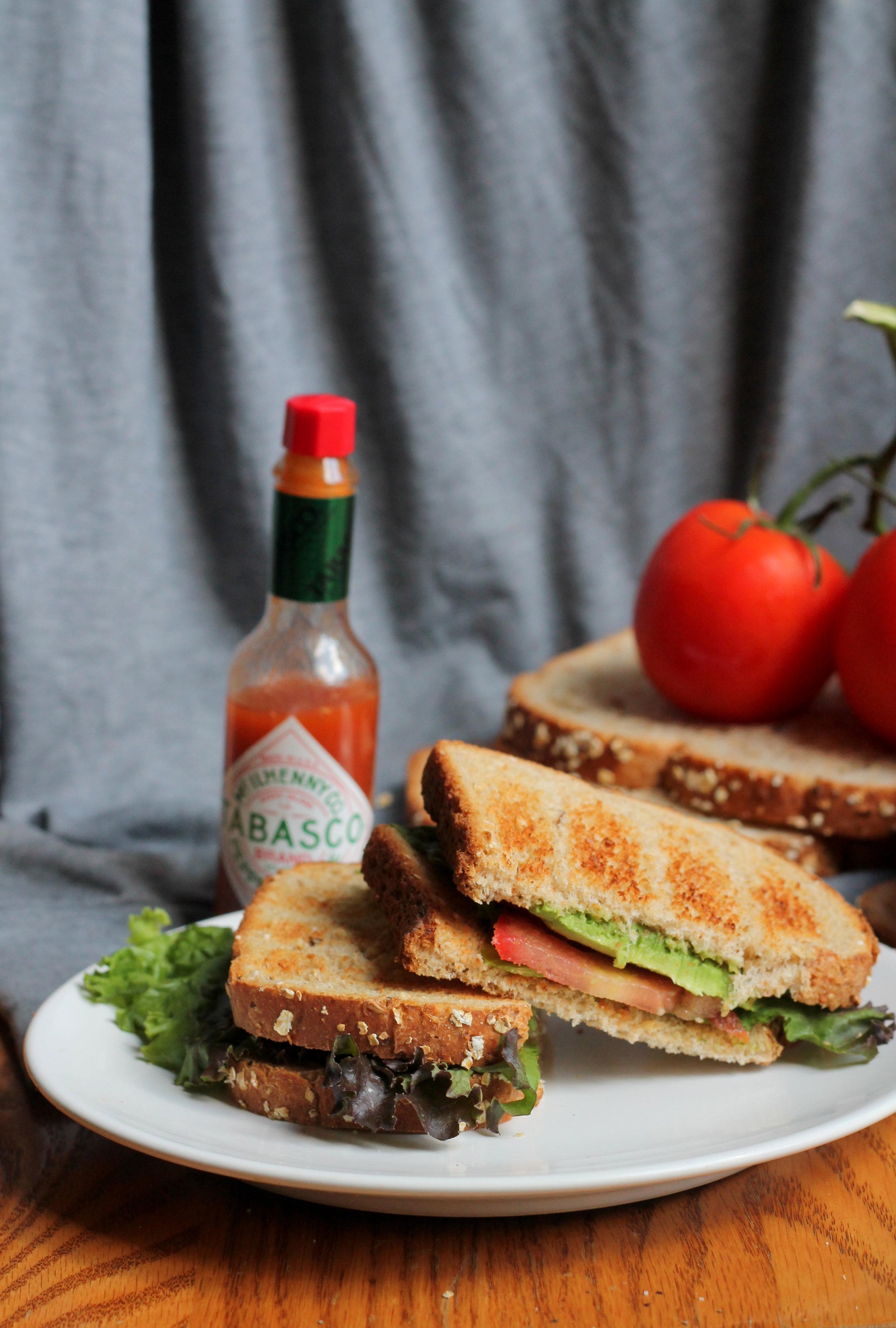 avocadolettucetomatosandwich