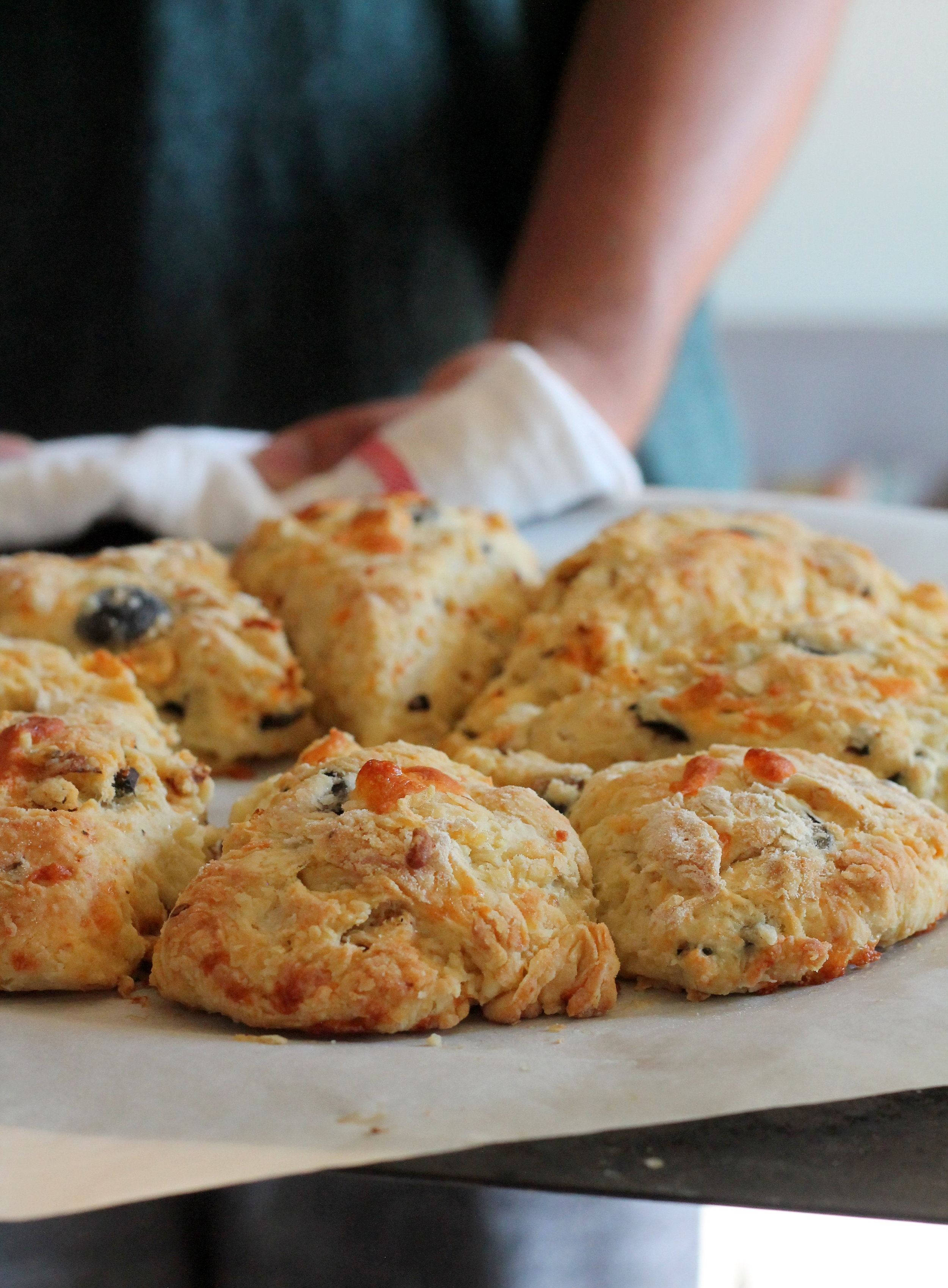 olives and sundried tomtoes scones1