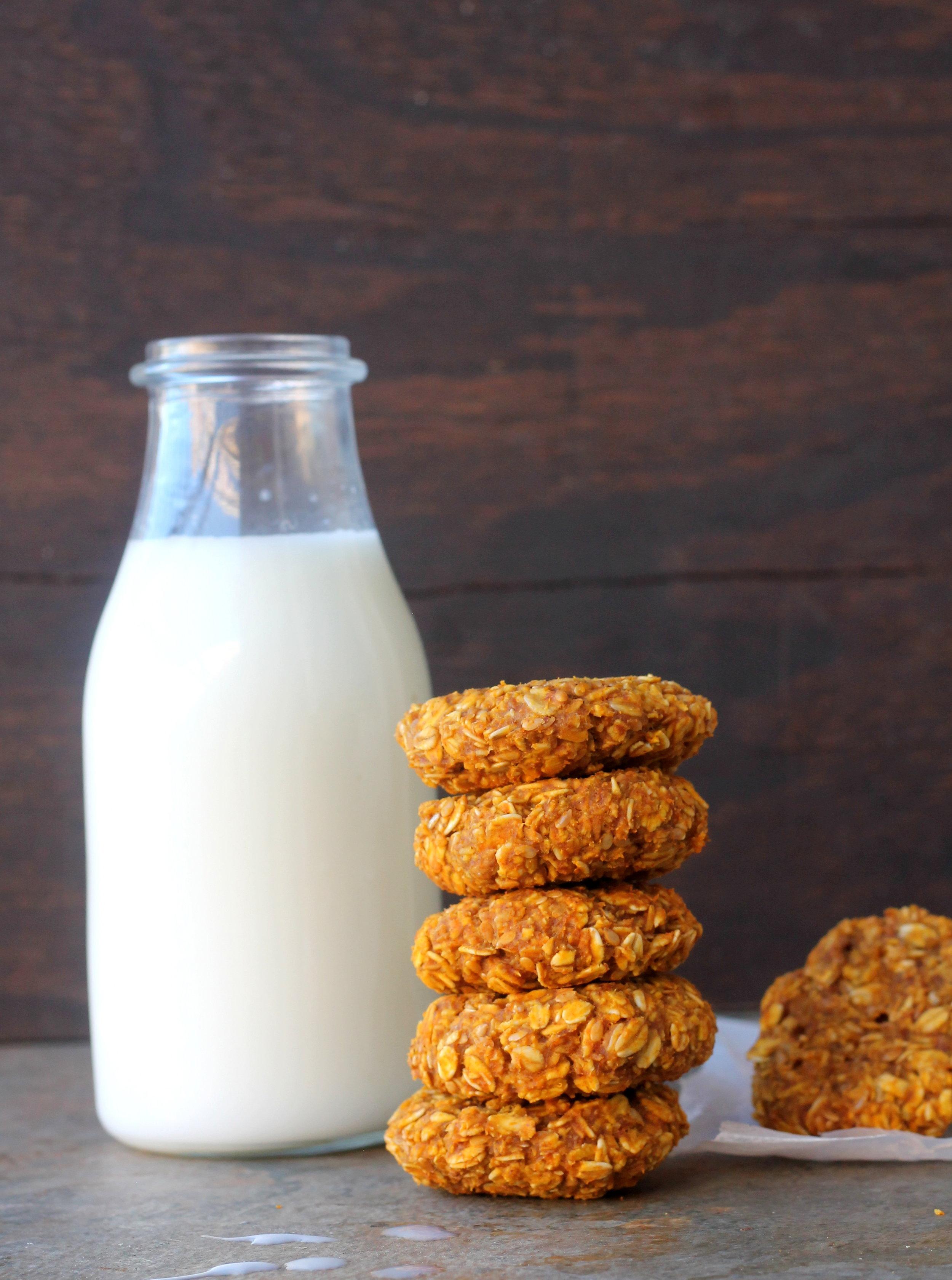 oats and pumpkin breakfast cookies