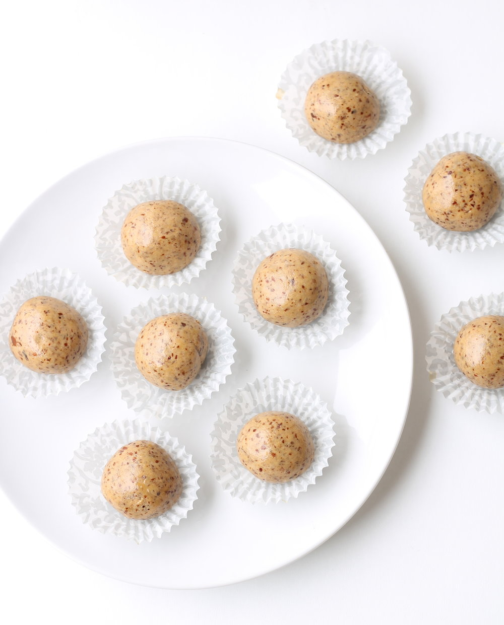 "Vegan, Gluten-Free ""3 Ingredient Protein Bites"" are perfect for snacks/dessert! Made in just one bowl and requires 10 minutes of less of your time."