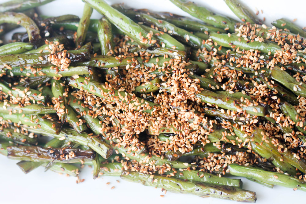 Green Beans with Sesame are perfect as a side for a quick weeknight dinner or for parties. Takes only 15 minutes and less than 5 ingredients to make. Naturally vegan & can be made gluten-free!