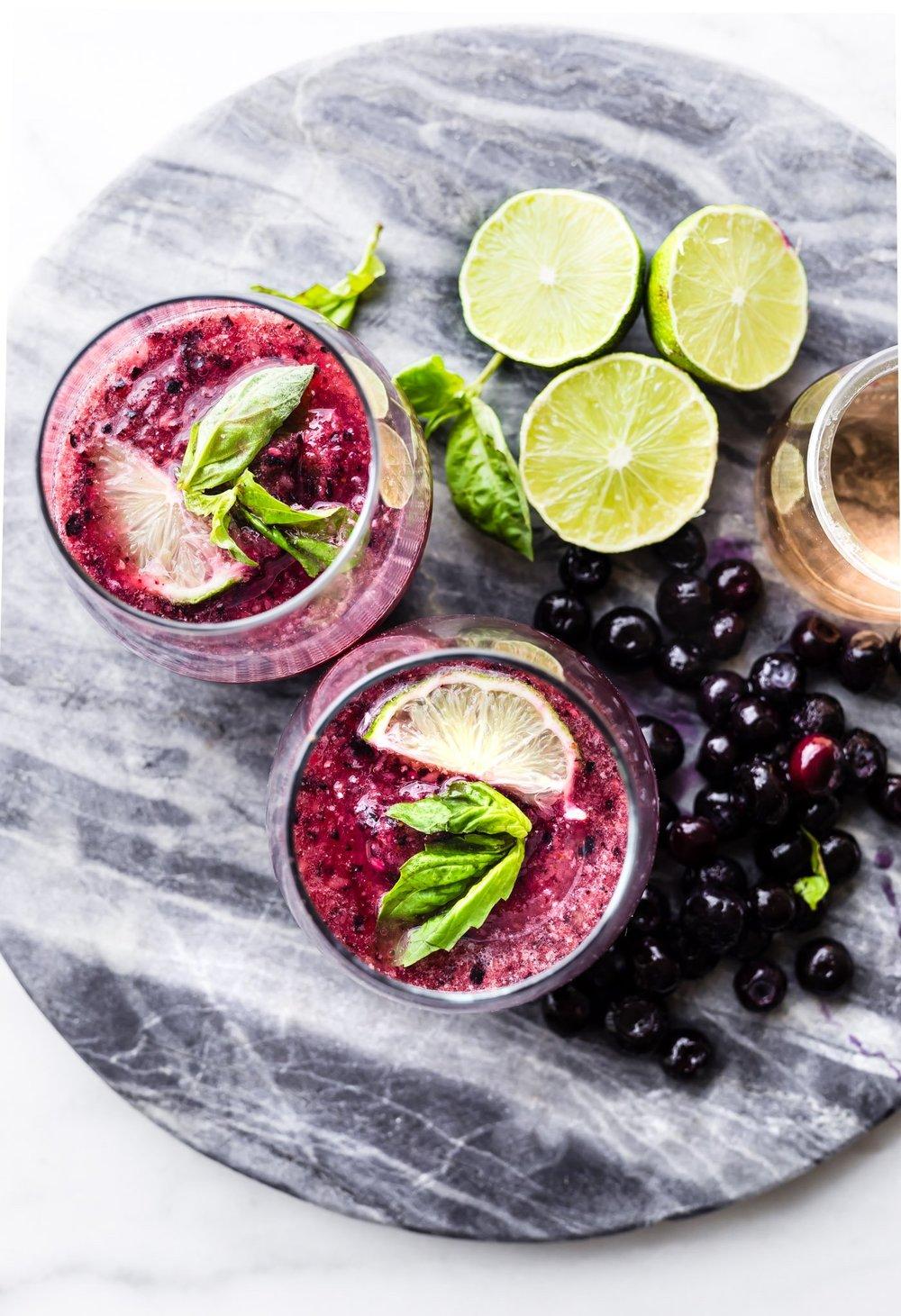 berry-froze-wine-slushie-cocktail-2.jpg