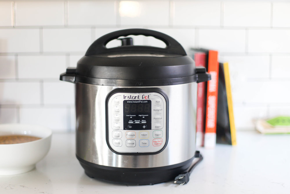 How to use an instant pot without freaking out - 5 steps to get you comfortable with instant pot + beginners recipes included.