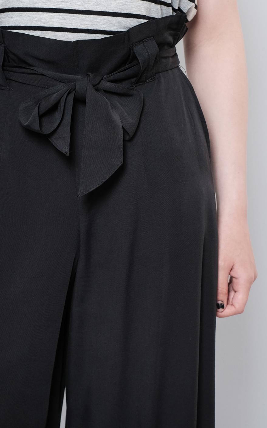 W1804-29-07-ON Devon Paperbag Waist-black (2 of 5).jpg