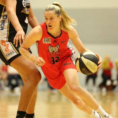 Sami Whitcomb - Perth Lynx & Seattle Storm