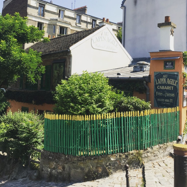 Things to do in montmartre Vidi Guides cabarets
