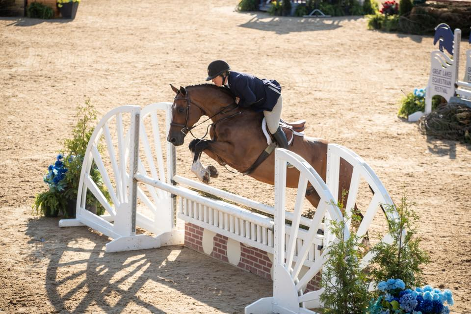 """Michelle Durpetti and Cassius jumped to a score of 86 to win the 3'3"""" Amateur Owner 35 & Over Hunter Stake!"""