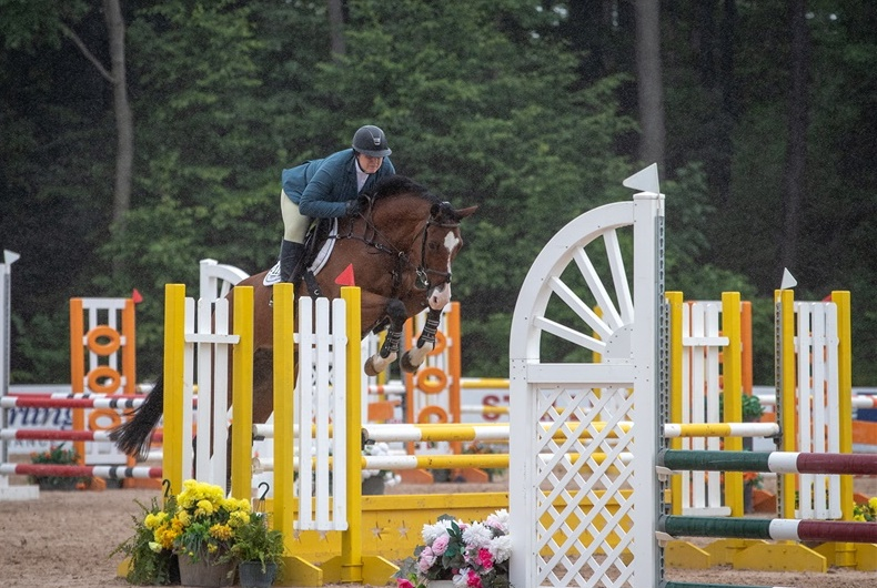 Katie Hawkins has been rocking it in the hunter ring, but this week she switched gears to the jumper ring riding Alexander, owned by Molly Alvarez. The pair finished fourth out of 12 entries in their first Low Adult Jumper Classic! Awesome job, Katie!!