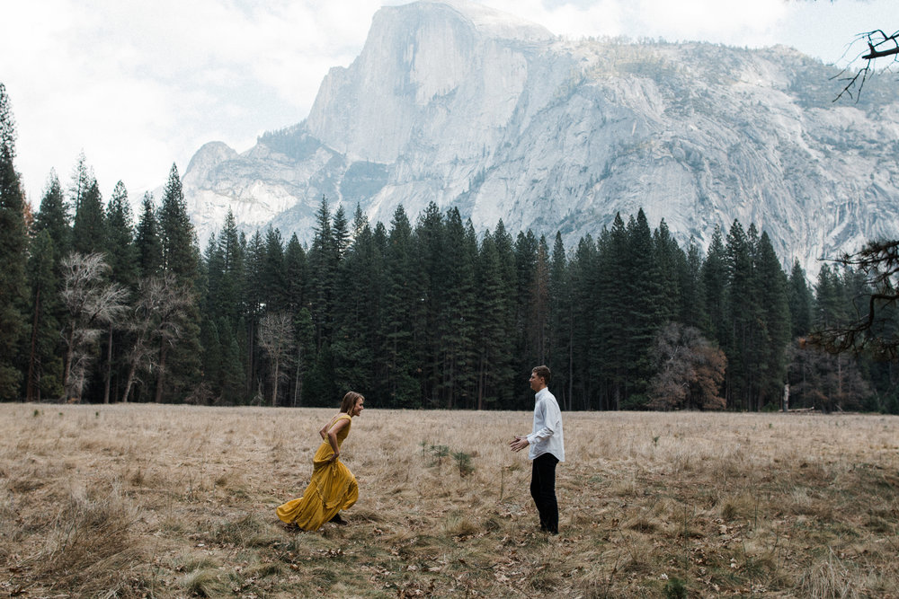 Yosemite-california-elopement-engagment-adventure-session-photographer