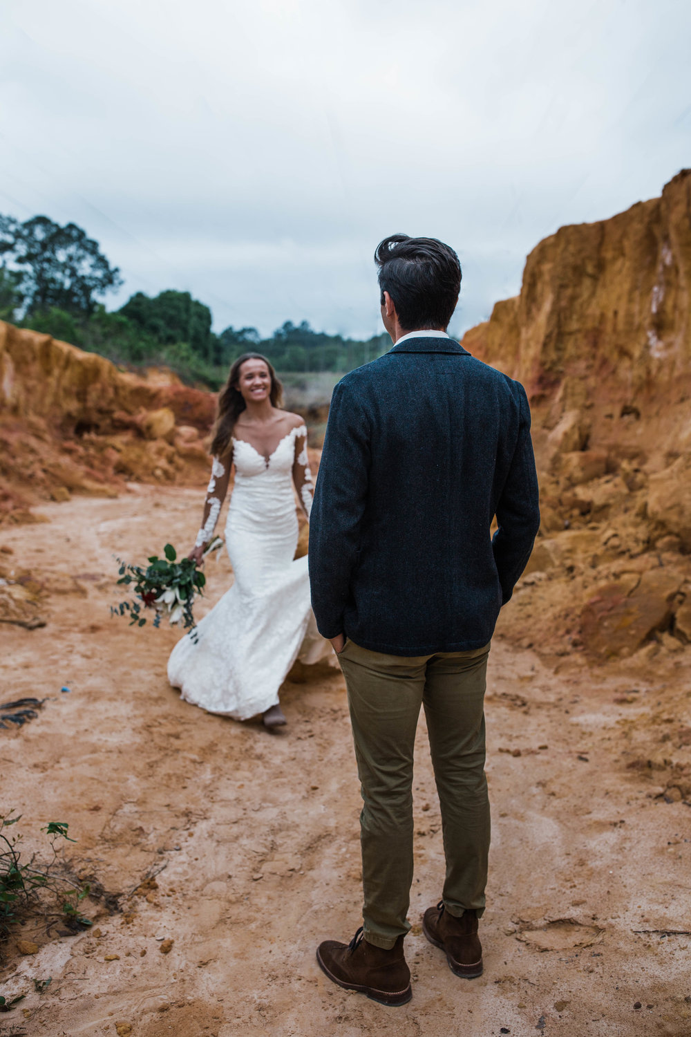 You wouldnt belive where this mini canyon elopement actually took place