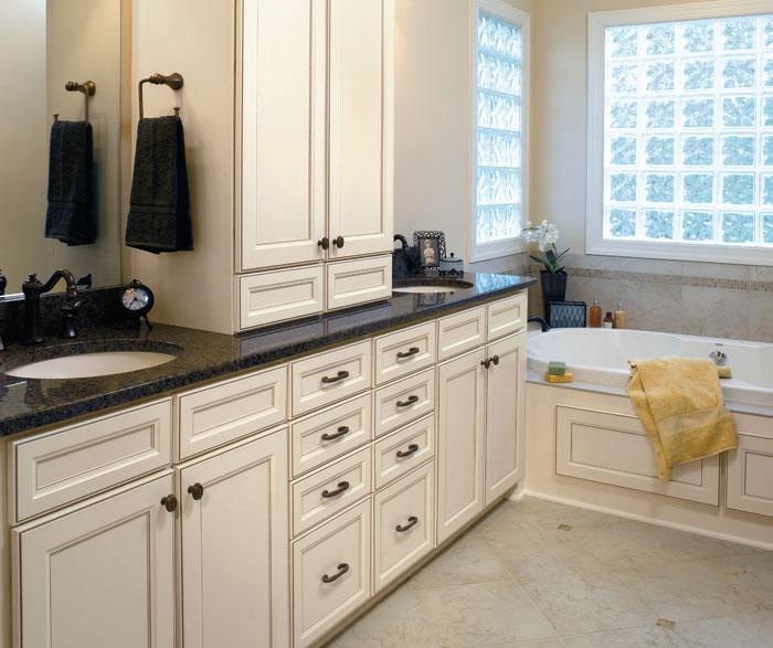 laminate_bathroom_cabinets.jpg