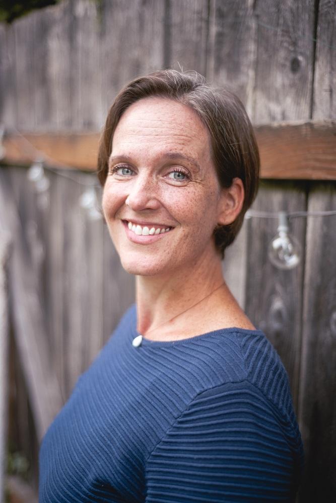 Ute Mitchell Headshot Photo_Web.jpg
