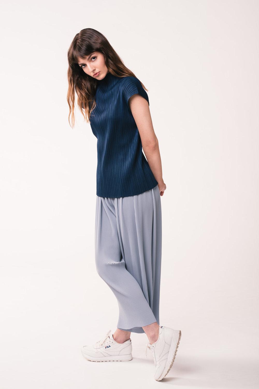 Shirt: Zara  Pants: Zara  Shoes: FILA