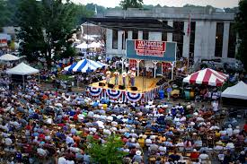 Southern Charm - The South is known for some of the world's most talented musicians, artists and devoted farmers. While the Smithville Jamboree is host to some of the most extraordinary musicians & clog dancing youth, the upper Cumberland area is home to finest Artisans.