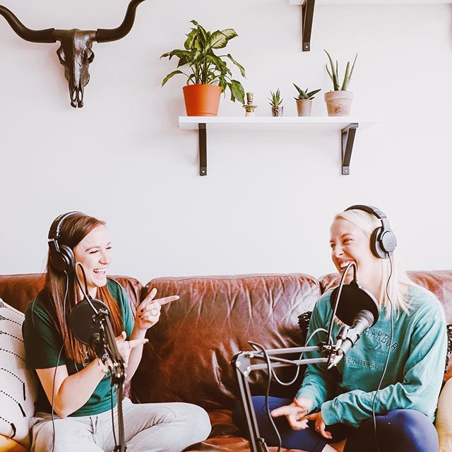 Back in 2019 and better than ever ✨ Beck and I have been on our GRIND in 2019 and amazing things are happening over @detoxandchillpodcast. One of my favorites had been our Facebook group - the conversations happening in there are the most supportive and loving 😭 to join, just search *SUPER EXCLUSIVE Detox & Chill Podcast Group* we'll add you right in ✨💚