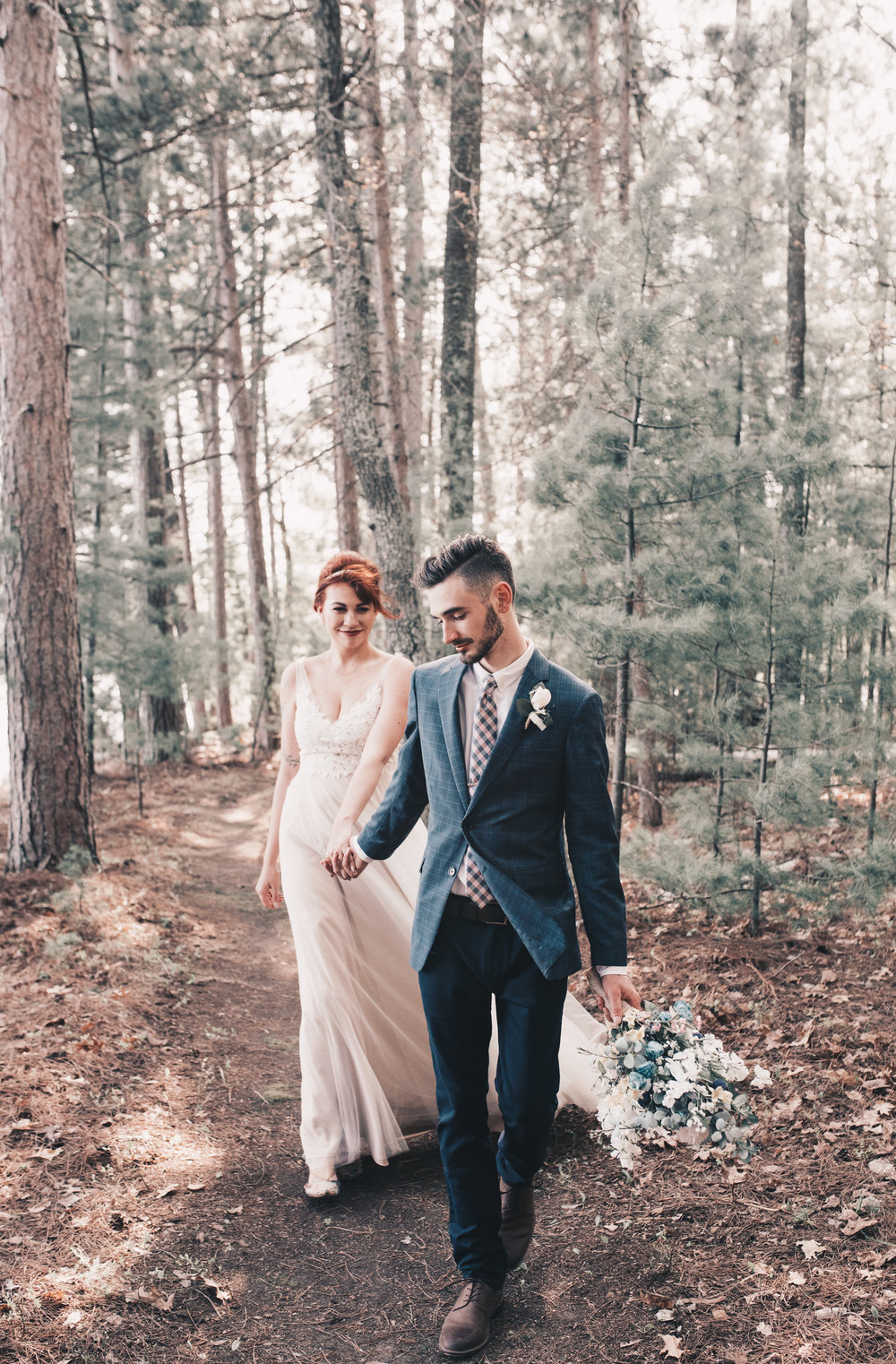 Wooded Wedding Photography, Bride and Groom Photos, Outdoor Wedding