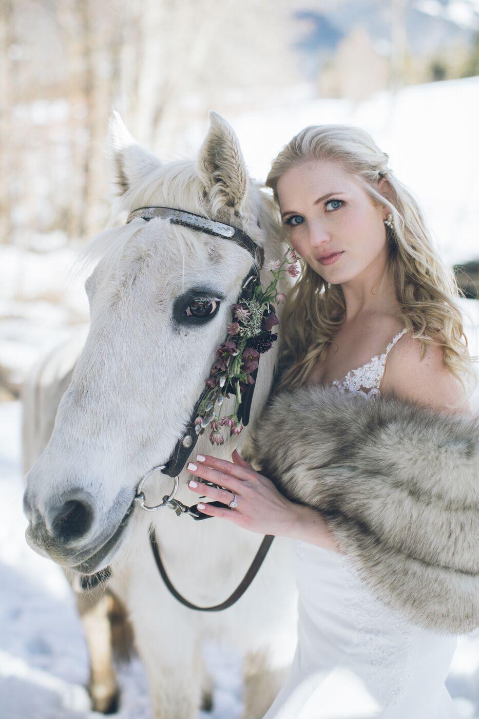 aniko-photography-mt-hood-bnb-wedding-51_preview.jpeg