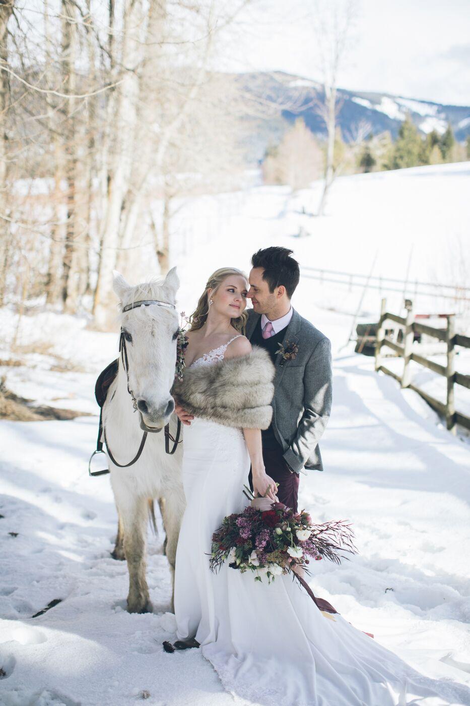 aniko-photography-mt-hood-bnb-wedding-55_preview.jpeg