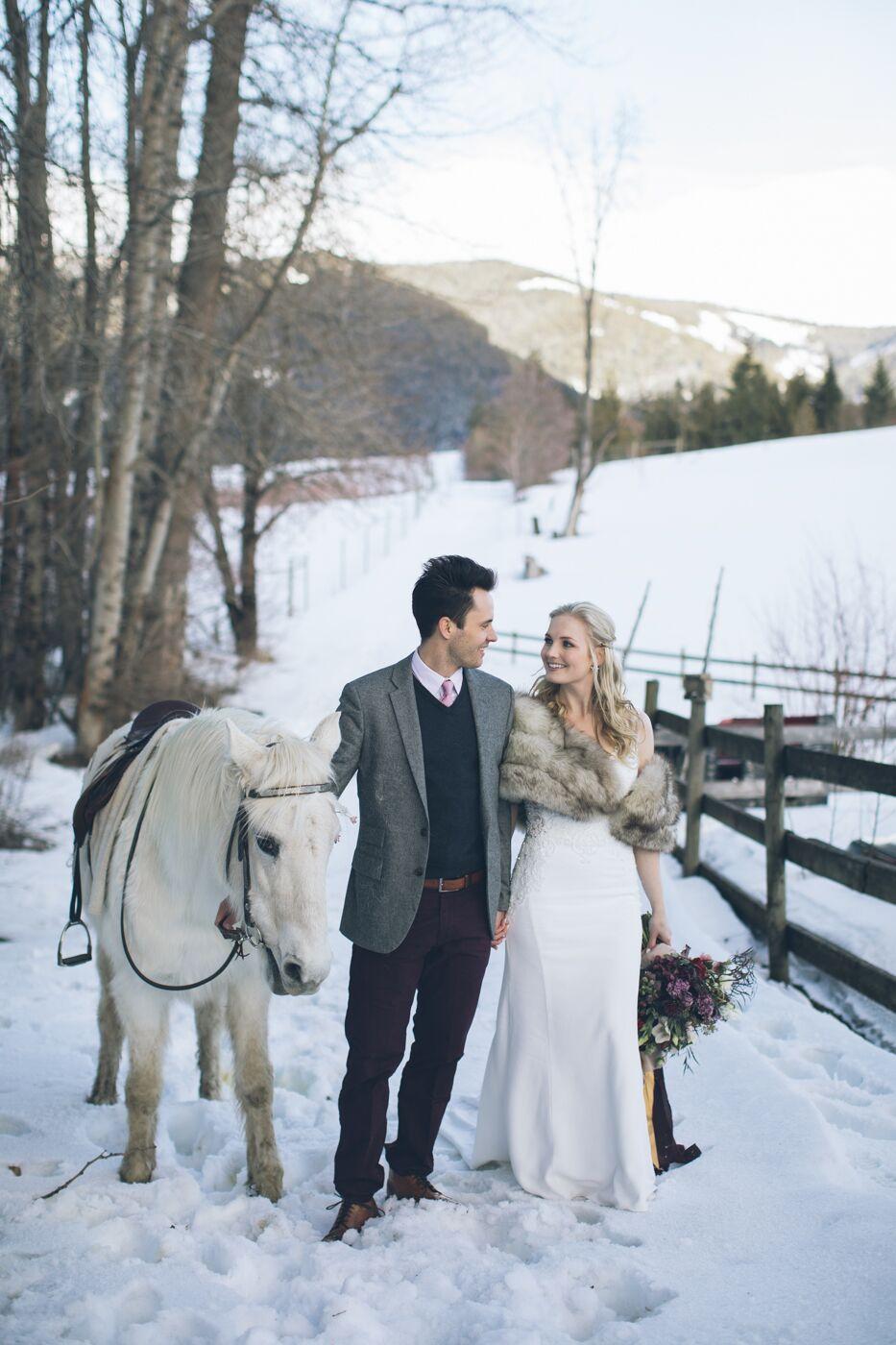 aniko-photography-mt-hood-bnb-wedding-63_preview.jpeg