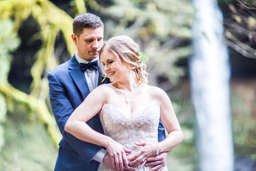 Silver Falls-elopement-bride-and-groom-photo Corina Silva Studios-45.jpg