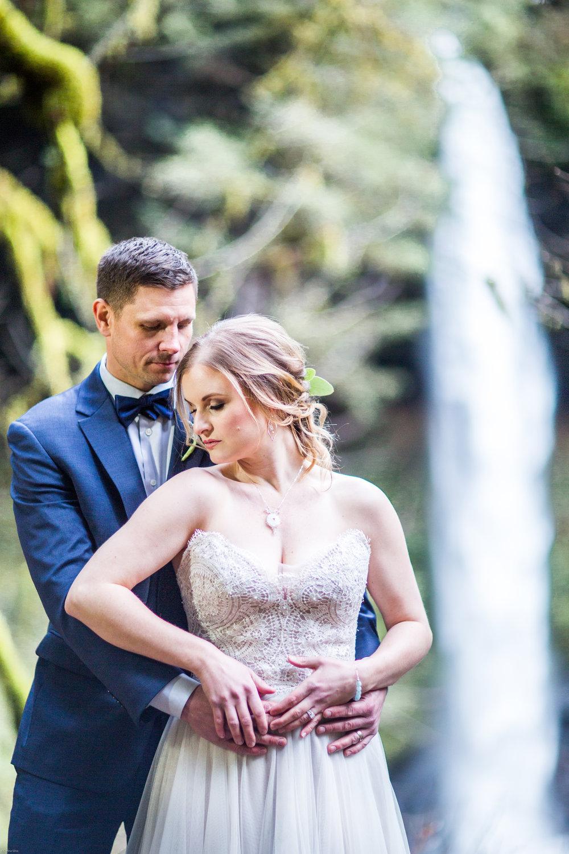 Silver Falls-elopement-bride-and-groom-photo Corina Silva Studios-47.jpg