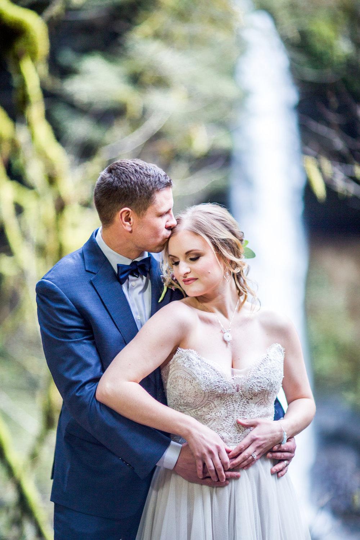 Silver Falls-elopement-bride-and-groom-photo Corina Silva Studios-51.jpg