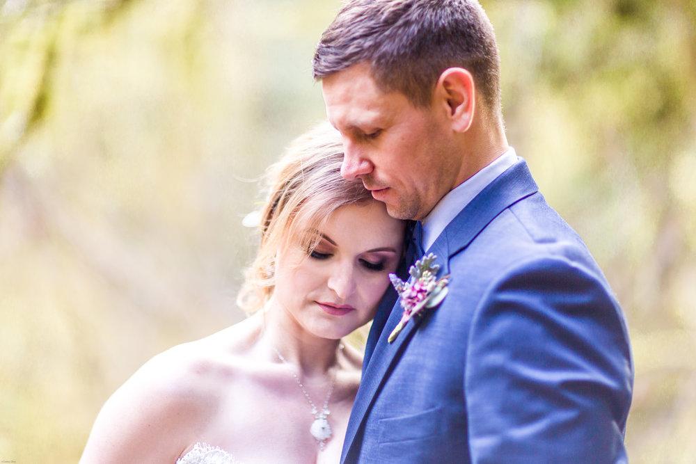 Silver Falls-elopement-bride-and-groom-photo Corina Silva Studios-92.jpg