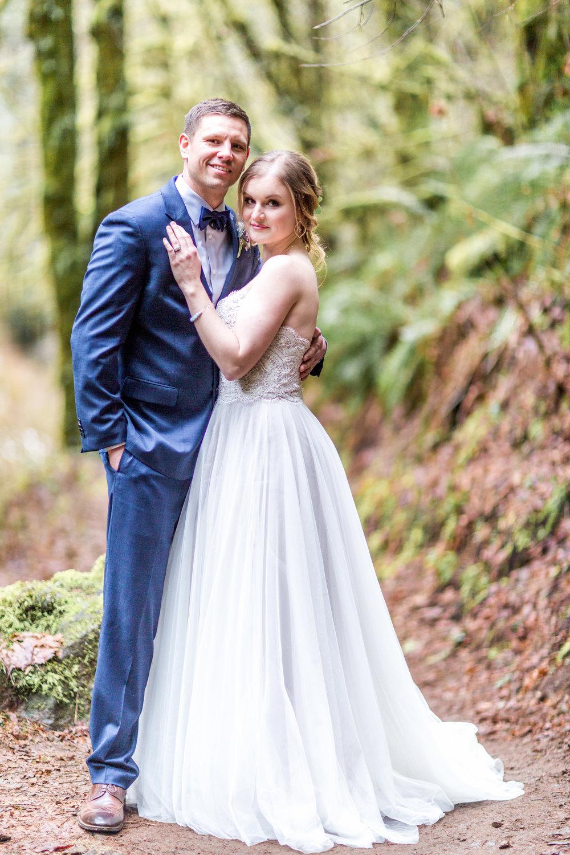 Silver Falls-elopement-bride-and-groom-photo Corina Silva Studios-107.jpg