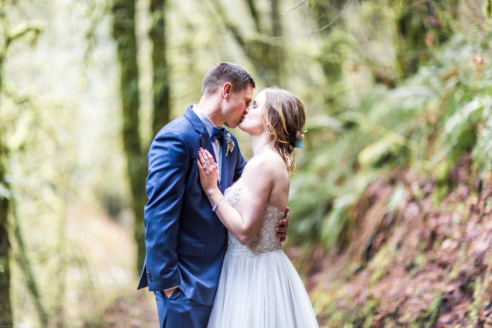 Silver Falls-elopement-bride-and-groom-photo Corina Silva Studios-117.jpg