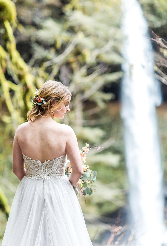 Silver Falls-elopement-bride-and-groom-photo Corina Silva Studios-141.jpg
