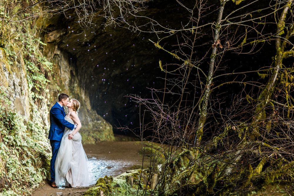 Silver Falls-elopement-bride-and-groom-photo Corina Silva Studios-157.jpg