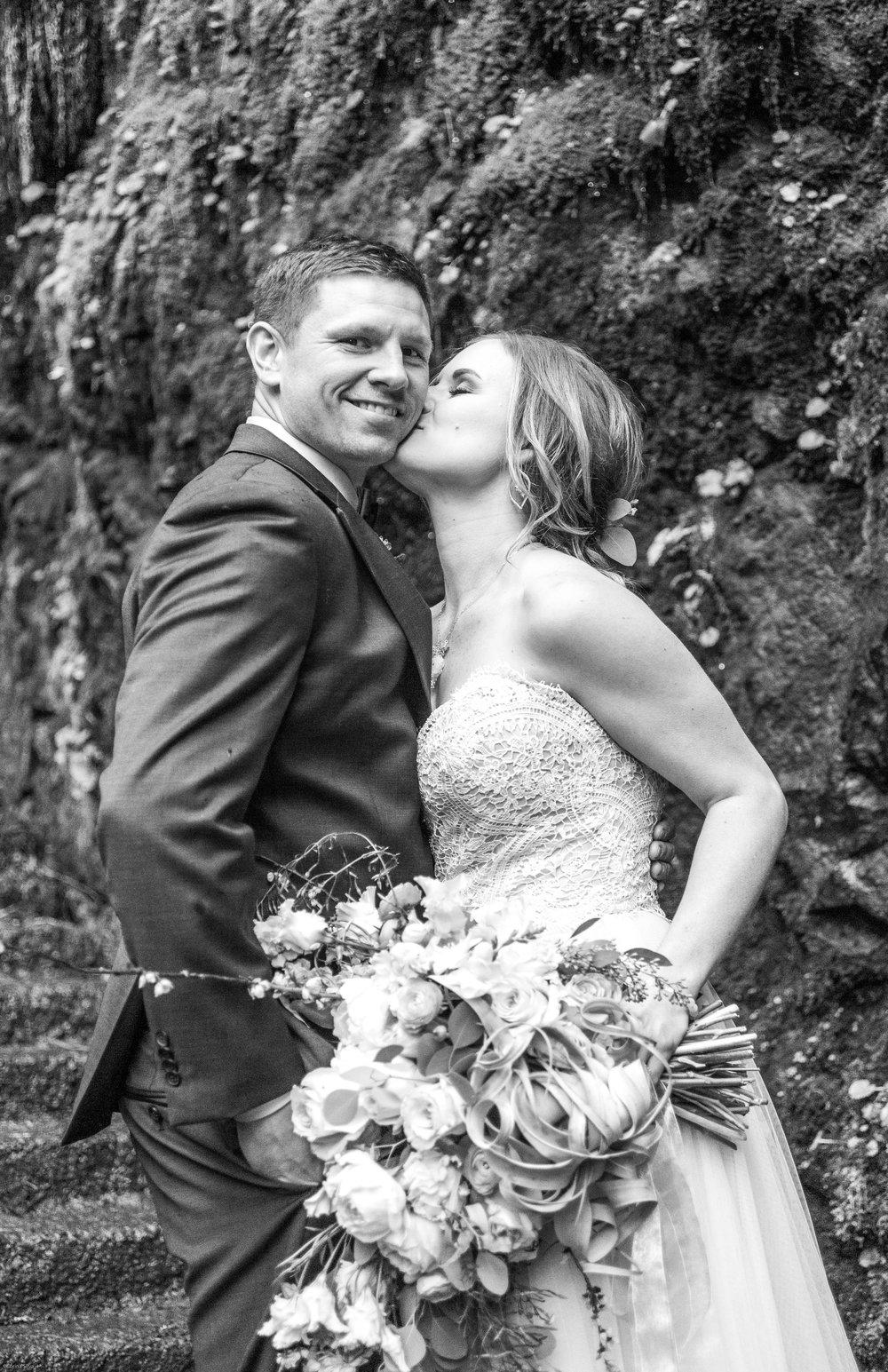 Silver Falls-elopement-bride-and-groom-photo Corina Silva Studios-188.jpg