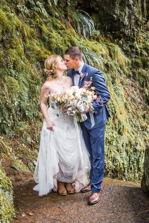Silver Falls-elopement-bride-and-groom-photo Corina Silva Studios-211.jpg