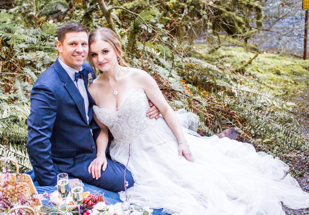 Silver Falls-elopement-bride-and-groom-photo Corina Silva Studios-304.jpg